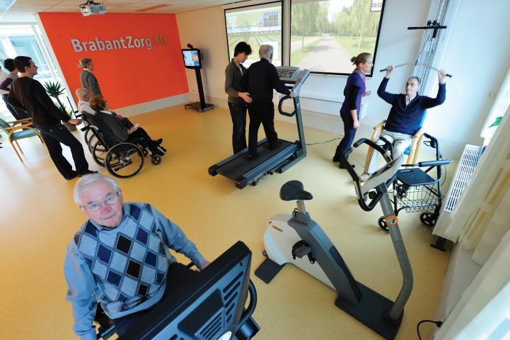 Oefenzaal De Watersteeg in Veghel, 2010. SilverFit heeft veel ervaring met het ontwerpen en inrichten van oefenzalen voor geriatrische revalidatie. Wij adviseren u graag.