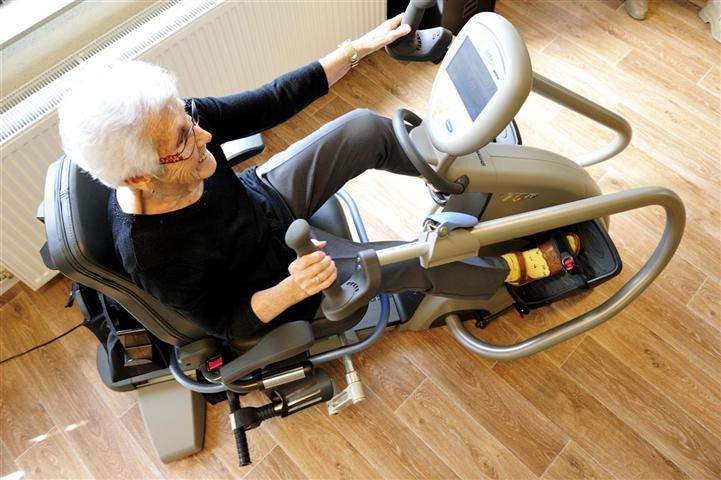 Stoel Voor Ouderen : Crosstrainer voor ouderen voor conditie en krachttraining silverfit